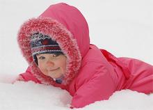 Чем занять ребенка на прогулке зимой чтобы полезно и не скучно было