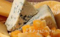 Сыр с плесенью: вред или польза?