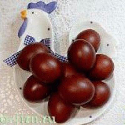 Как покрасить яйца на Пасху в луковой шелухе + фото