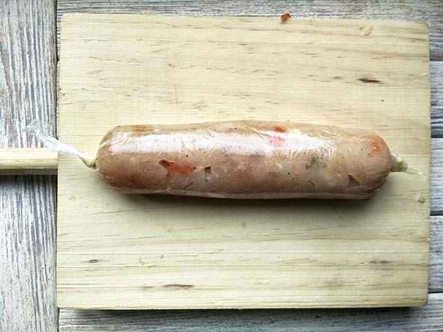 Приготовление куриных сосисок