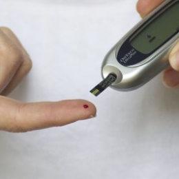 Как бороться с сахарным диабетом и повышенным уровнем сахара в крови: 3 эффективных рецепта