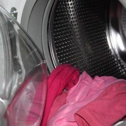 Стиральная машина с бельем